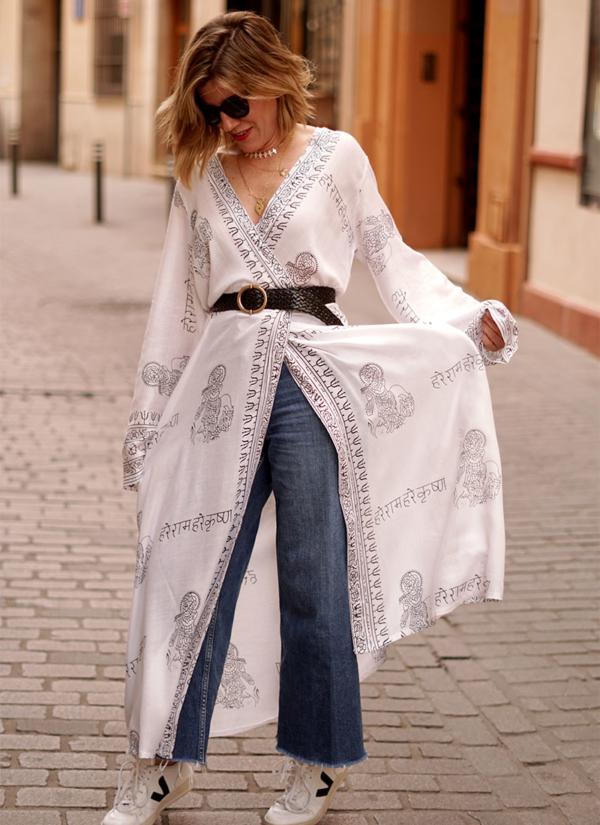 Kimono Blanco y Negro de gran comodidad