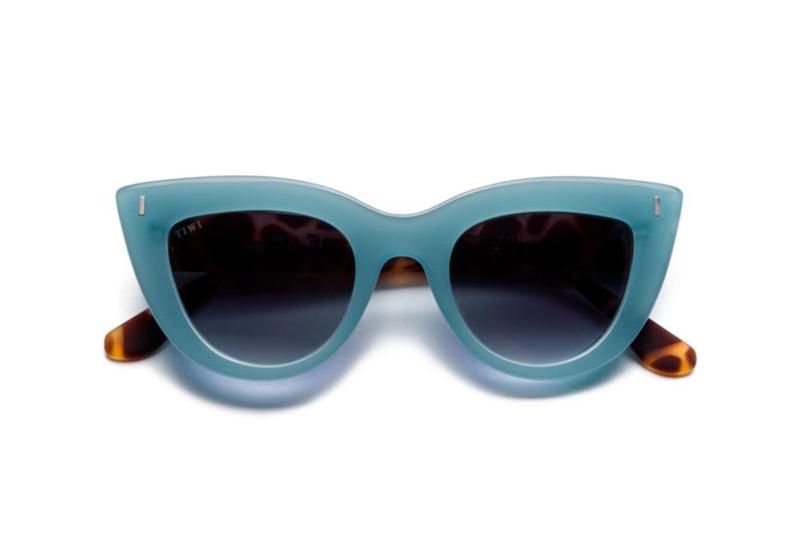 Gafas de Sol Yunon Azul Fluor, con lentes negras, ligeras y fáciles de adaptar