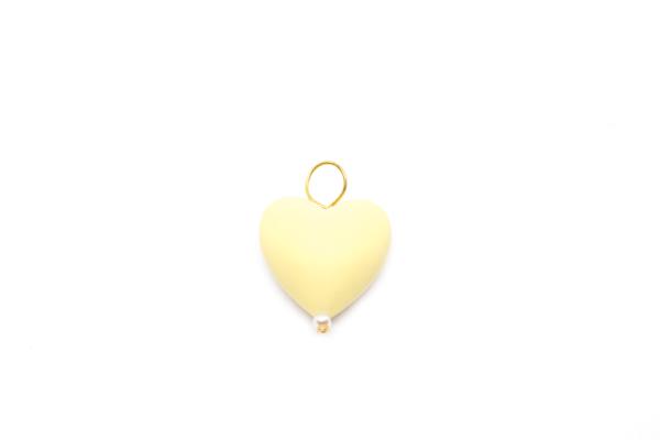 Corazón Amarillo, accesorio perfecto para complementar un collar